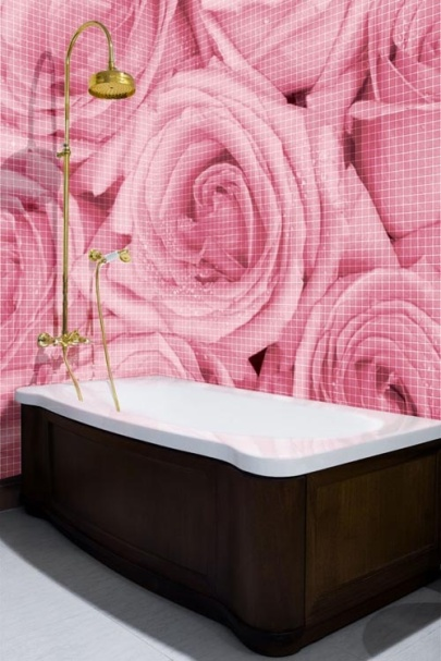 Roses_bathroom